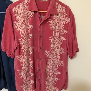 Tommy Bahama shirts Large. Excellent condition